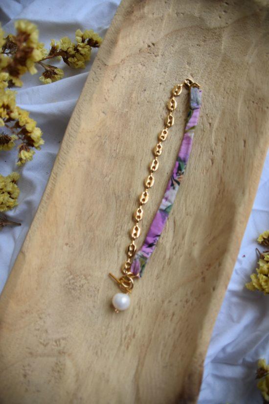 Collier ras de cou lilas - La Mode de Mélissa et Cindy Fontaine - collection upcycling
