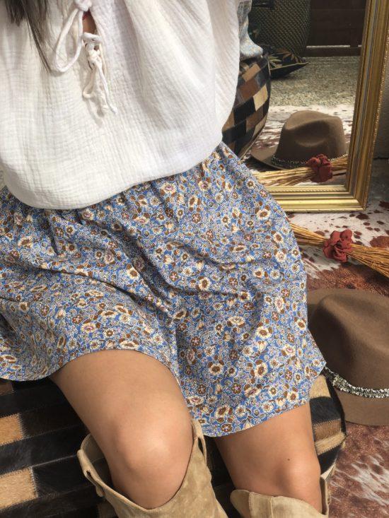 jupe patineuse fleurie - look automne femme - La Mode de Mélissa - Mode éthique et éco-responsable - Mode durable et fabriquée en France